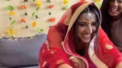 Photo of नई नवेली दुल्हन ने गजब अंदाज में लिया आशीर्वाद, वायरल हो रहा वीडियो