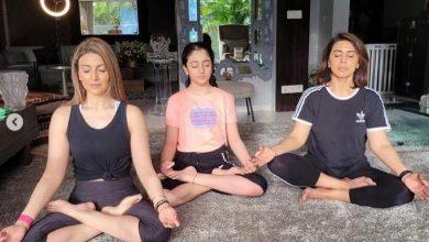 Photo of अभिनेत्री नीतू कपूर ने बेटी रिद्धिमा और नातिन के साथ शेयर की योग करते हुए फोटो
