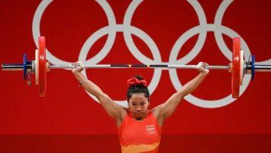 Photo of टोक्यो ओलंपिक: मीराबाई चानू ने रचा इतिहास, वेटलिफ्टिंग में सिल्वर मेडल जीतने वाली पहली भारतीय