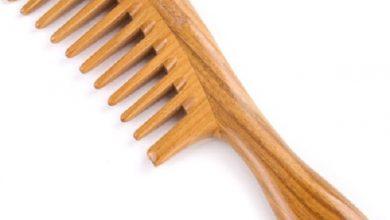 Photo of खूबसूरत बाल पाने के लिए इस्तेमाल करें नीम के लकड़ी की कंघी, जानें फायदे