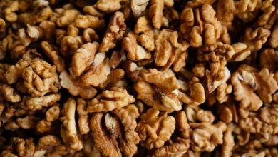 Photo of हर दिन मुट्ठी भर अखरोट खाने वालों को हृदय रोग की कम संभावना