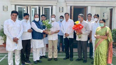 Photo of उत्तराखंड: भाजपा को झटका, विधायक बेटे के साथ मंत्री यशपाल आर्य कांग्रेस में शामिल