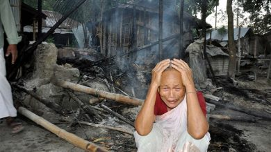 Photo of बांग्लादेश: हिंदुओं पर नहीं रुक रहे हमले, 65 से ज्यादा घरों में लगाई आग