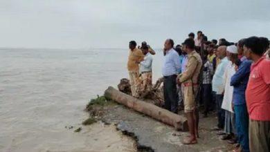 Photo of उप्र: लखीमपुर में घाघरा नदी में पलटी नाव, 10 लोग बहे; बचाव कार्य जारी