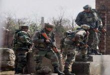 Photo of जम्मू-कश्मीर: मुठभेड़ में मारा गया एक आतंकी, घेरे में है लश्कर का टाप कमांडर